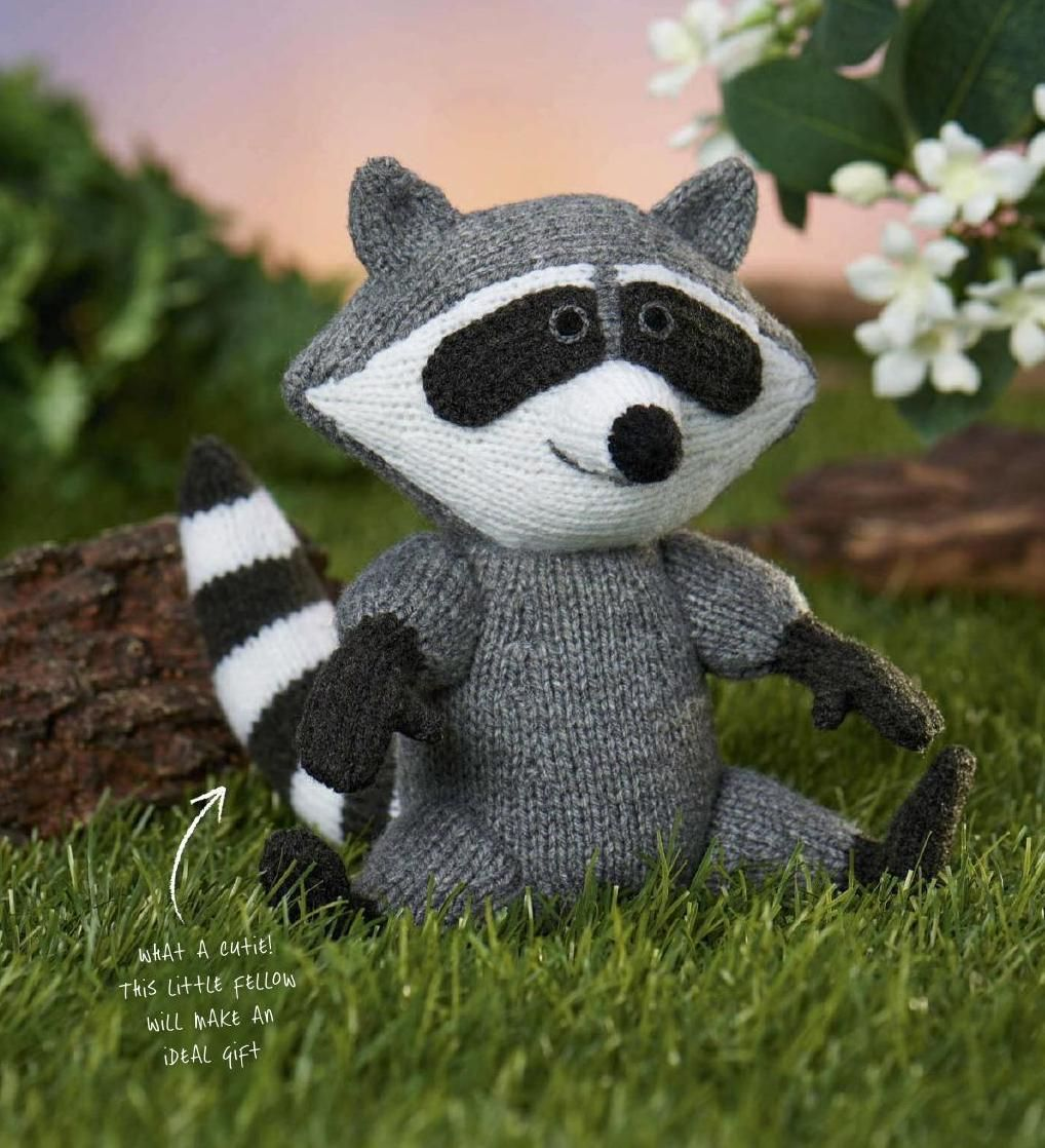 Raoul racoon / free knitting pattern #amigurumi #ClippedOnIssuu de Simply knitting may 2015