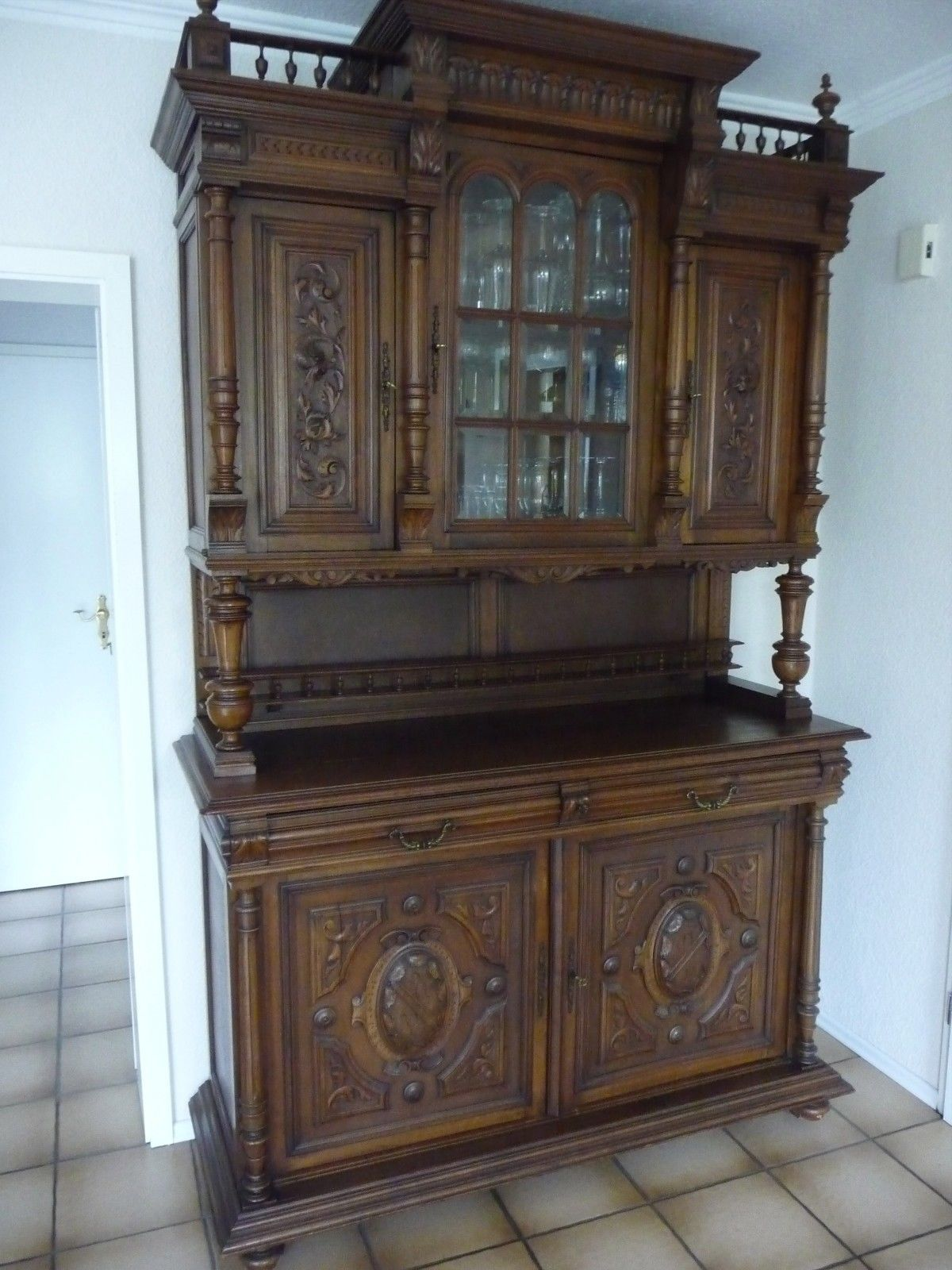 franz sisches buffet 1890 gr nderzeit schn ppchen. Black Bedroom Furniture Sets. Home Design Ideas