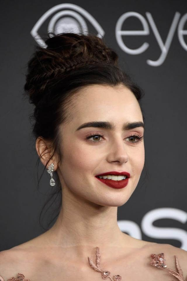 Photo of Lily Collins continued with her … | The most beautiful beauty looks of the Golden Globes 2017 | GRAZIA Germany