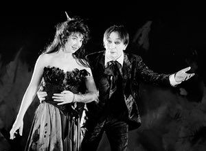 On the set of Kate Bush's film The Line, the Cross & the Curve in 1993