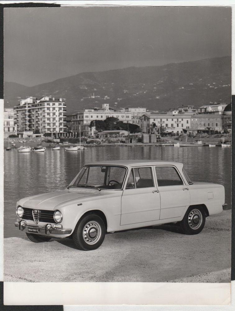 Alfa romeo giulia 1300 ti original period factory press