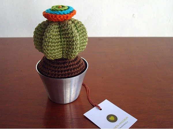 Amigurumi Cactus Crochet Pattern : Google image result for http: www.lushlee.com images crafts 09 6