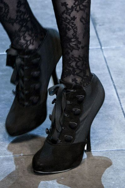 Runway-shoes: Dolce & Gabbana Milan Fall 2012. Perfect for Valentine in 1890, or 2013!