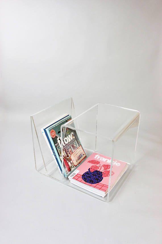 Midmodern Coffee Table Plexiglas Zeitungsstander Acrylglas Beistelltisch Nachttisch Lucite Table Vintage I In 2020 Vintage Interior Glass Side Tables Coffee Table