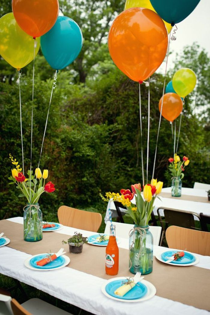 Dekoideen gartenparty tischdeko ballons blumen for Dekoideen sideboard