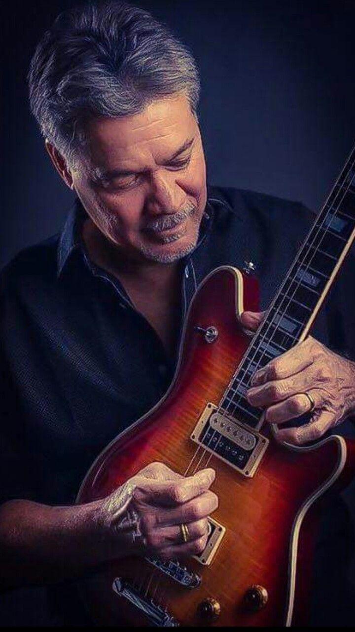 Pin By Lee Lawrence On Eddie Van Halen Van Halen Van Halen Eddie Van Halen Ziggy Played Guitar