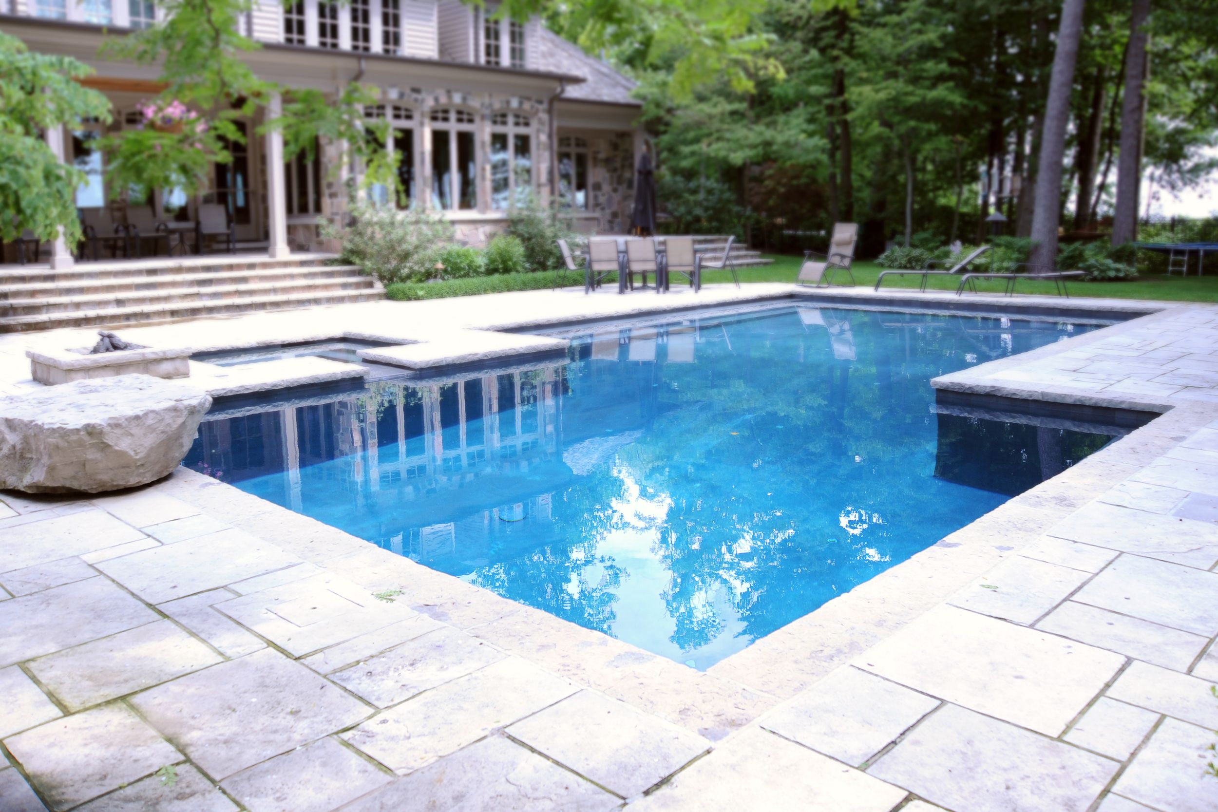 Hollandia pool and spa can install the perfect water slide for your swimming pool london for Swimming pools in london ontario