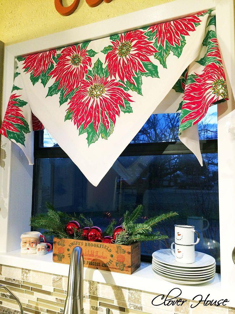 Vintage Tablecloth Curtain - The Christmas Version De época