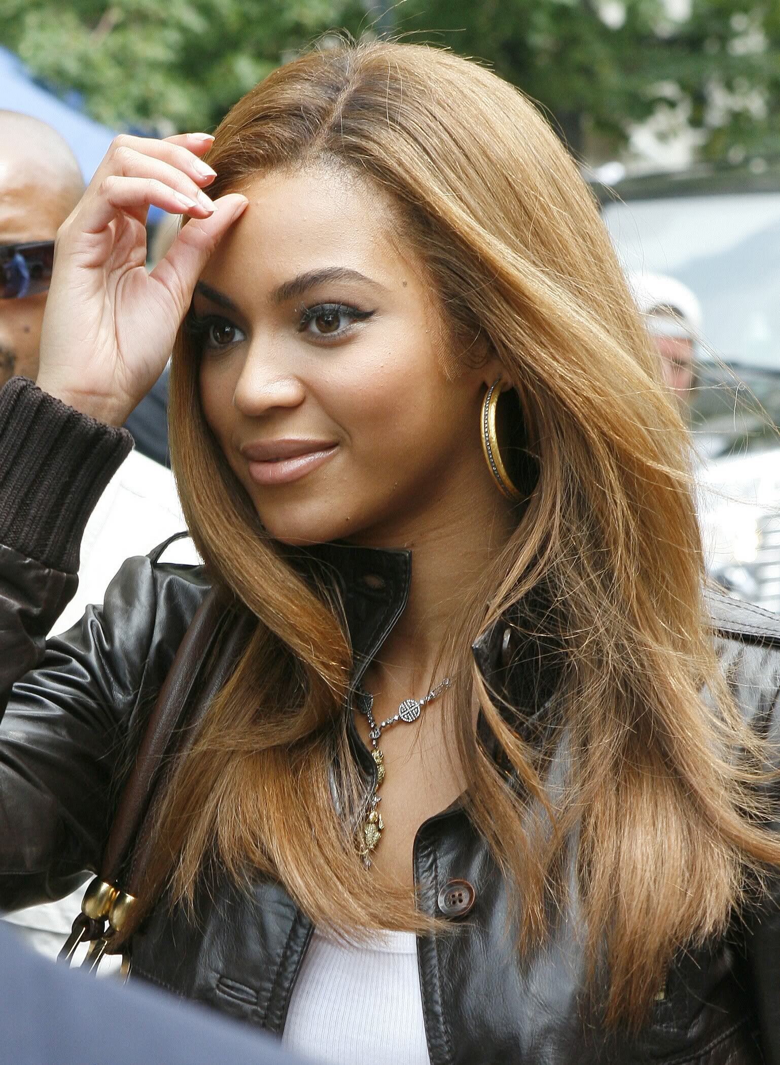 Pin By Yenny Lopez On Yenny Pinterest Hair Beyonce Hair Color