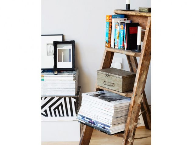 livres ranges sur escabeau bois diy deco do it yourself pinterest escabeau bois. Black Bedroom Furniture Sets. Home Design Ideas