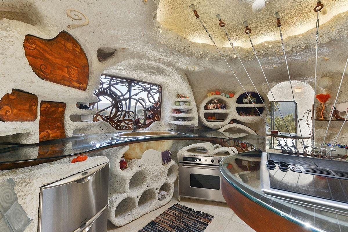 Inside The Flintstone House More Spectacular Photographs
