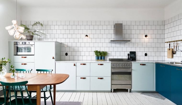 Gekleurde Eyecather Huis : Huis met blauwe keuken als eyecatcher keuken keukens en voor