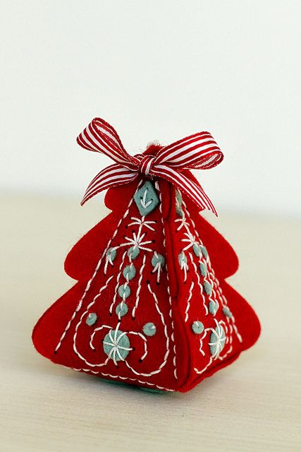Felt Christmas Tree Ornament by Erin Lincoln for Papertrey Ink
