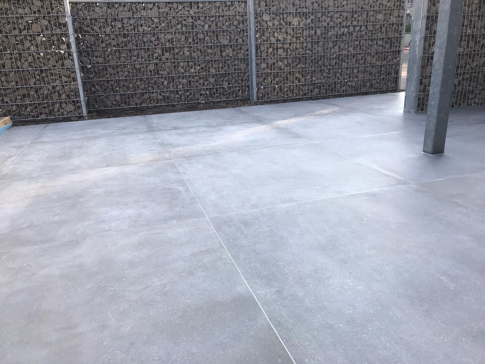 Balkon Fliesen In 2020 Terrassenfliesen Fliesen Terrassenplatten