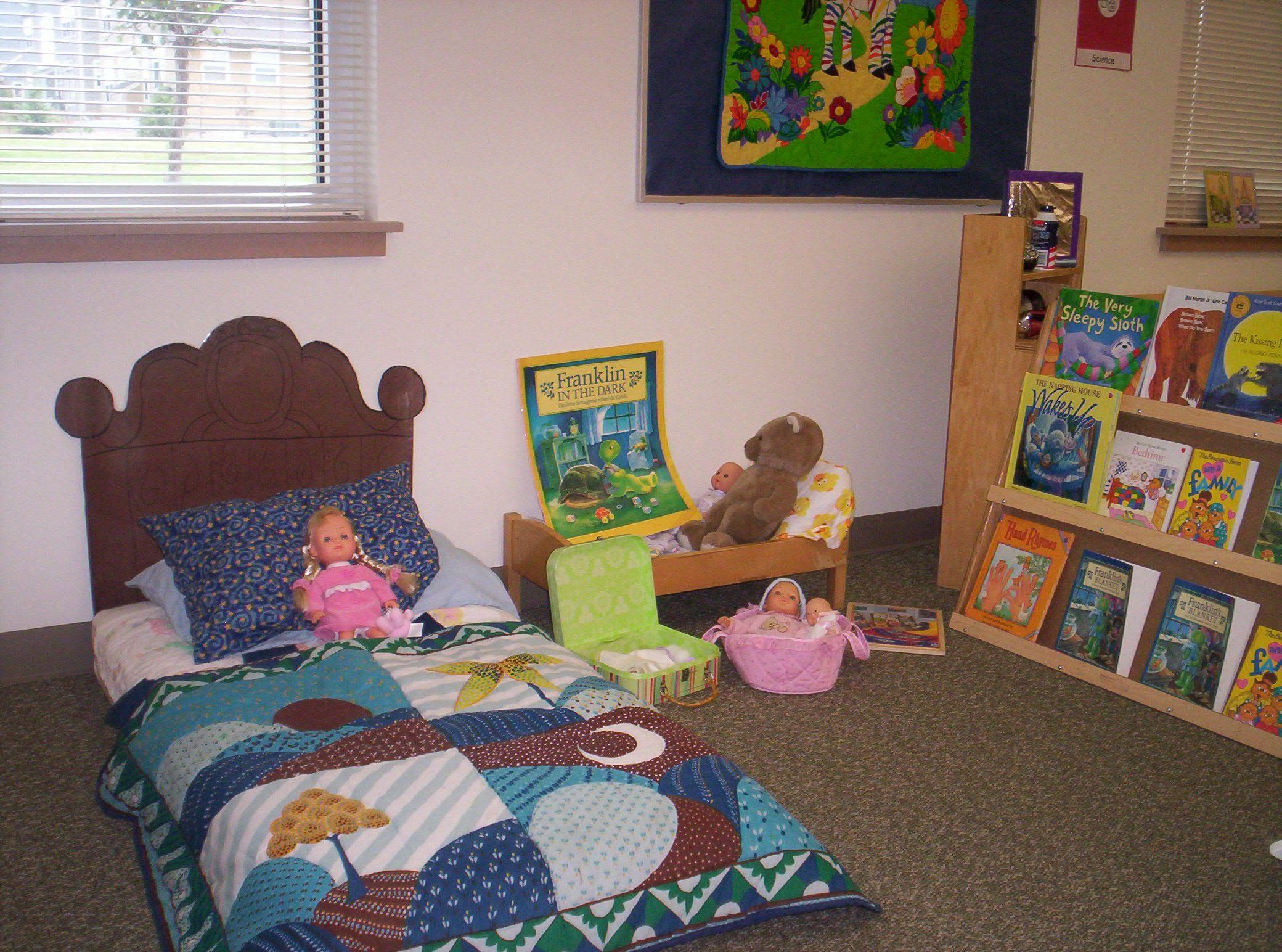 Best Bedroom Paper Headboard Nap Mat Blankets And Books 400 x 300