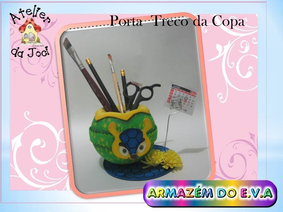 PAP de porta treco da Copa do Mundo , com o  Fuleco, mascote do Brasil