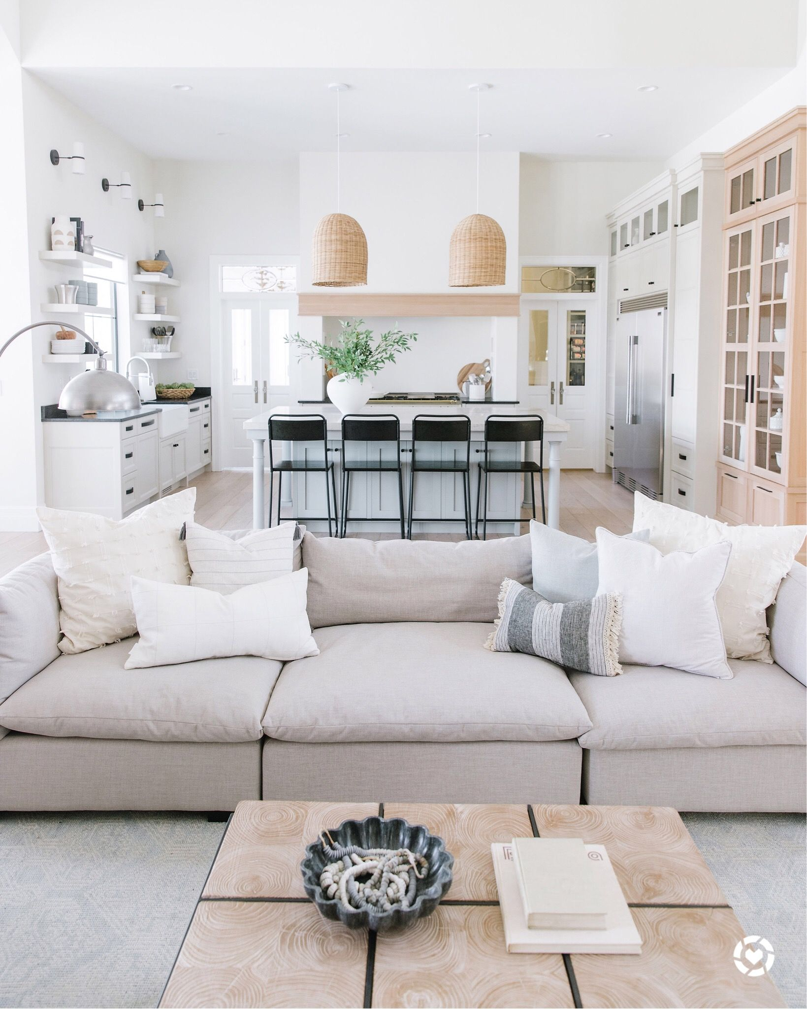Decorating With Texture Minimalist Living Room Decor H