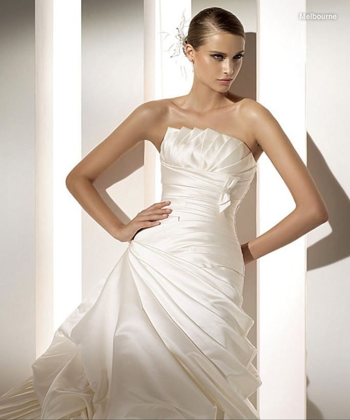 Pronovias Melbourne Bridal Gown | Vera Wang & More ♥ | Pinterest