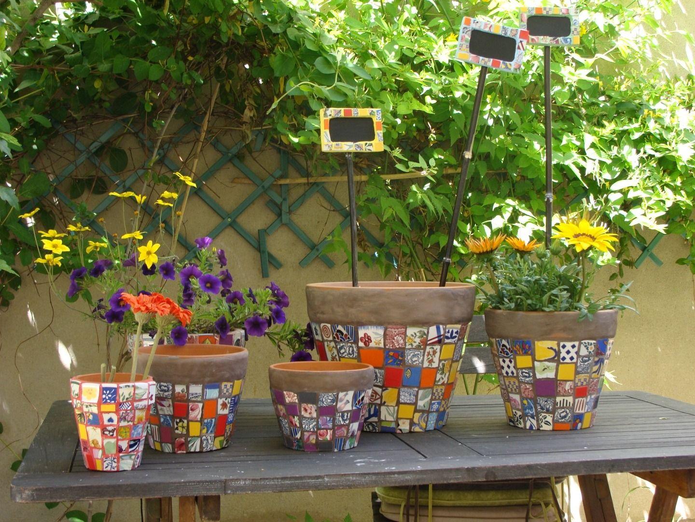 Pots de fleurs muticolores en mosaïque pique assiette ...