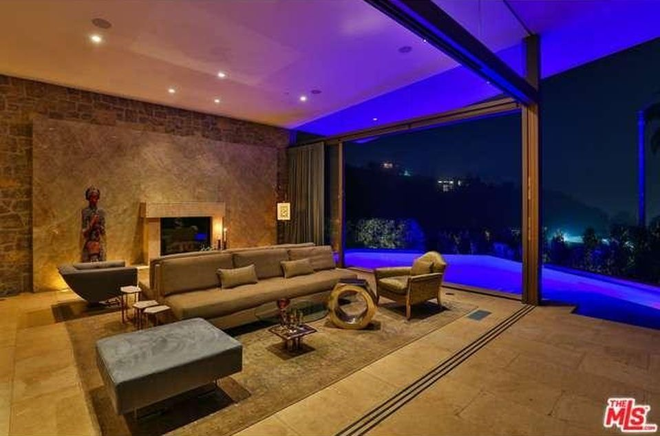 Hollywood Hills Home For Sale Luxury Homes Luxury Living Room Luxury Home Decor