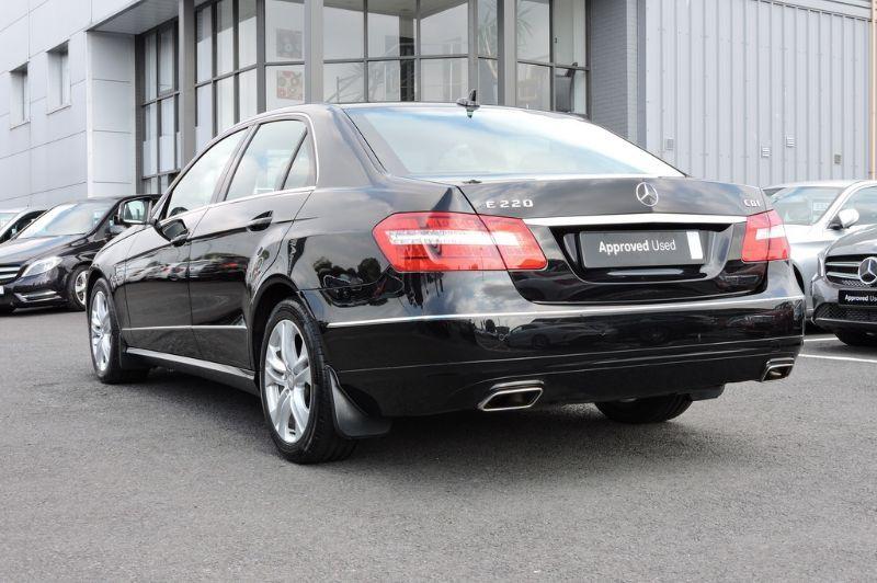 2012 mercedes Benz e220 cdi executive   MERCEDES-BENZ E220 CDI BlueEFFICIENCY Executive SE