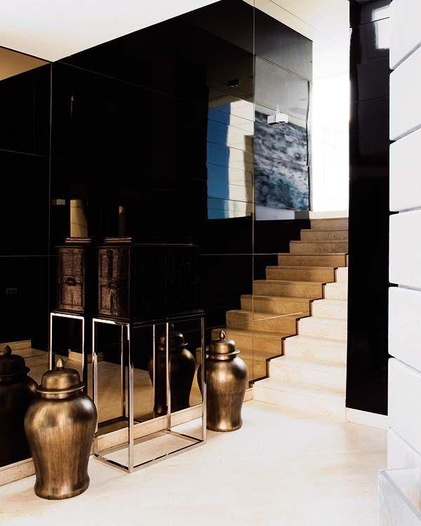 Muro de cristal negro brillante interiores pinterest for Suelo negro brillante