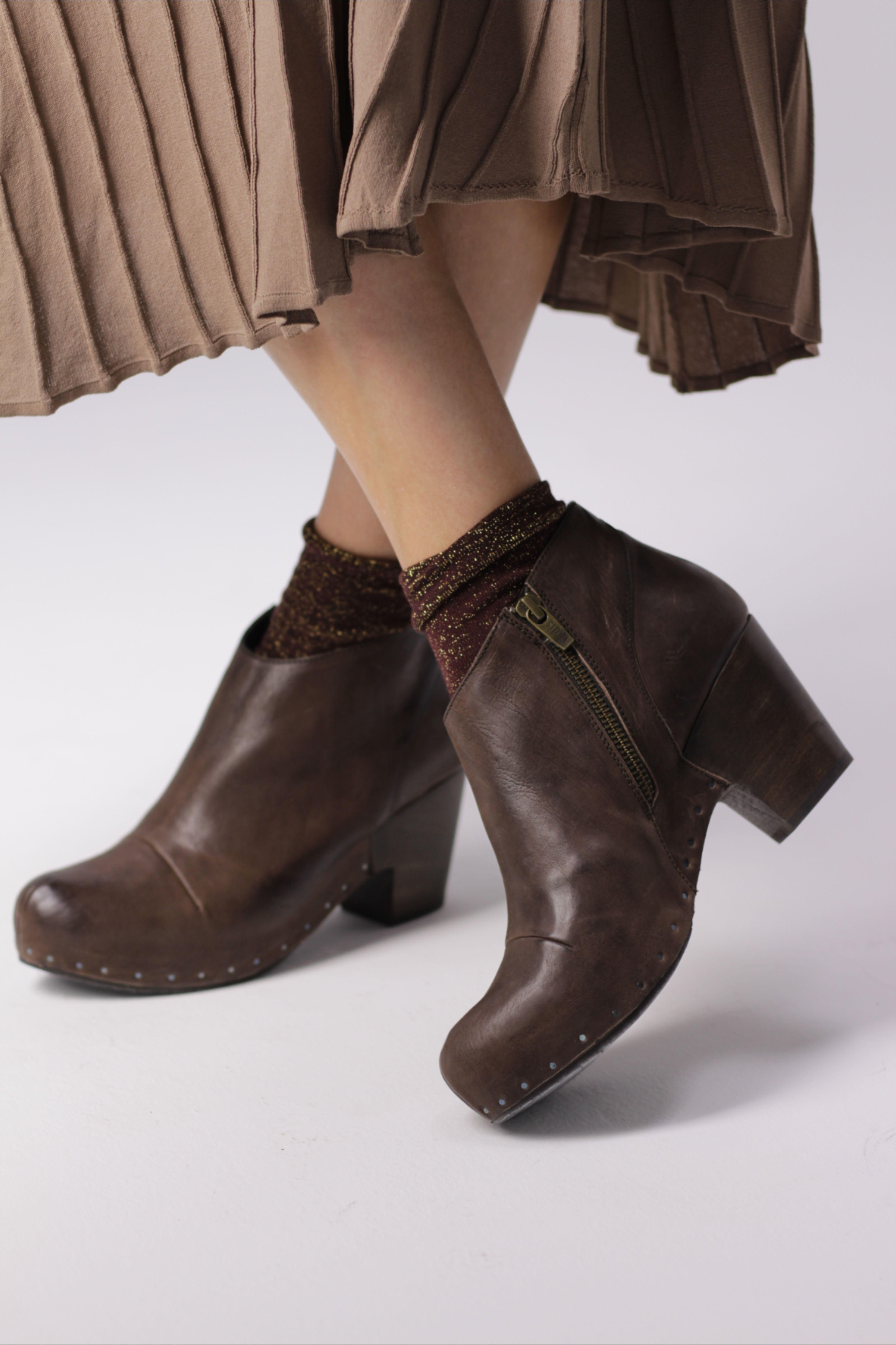 Botín plano joya Botas y botines de mujer | Stradivarius