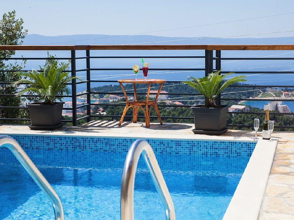 Terrassen Pool charmantes haus bartul mit pool meerbick in makarska grillplatz