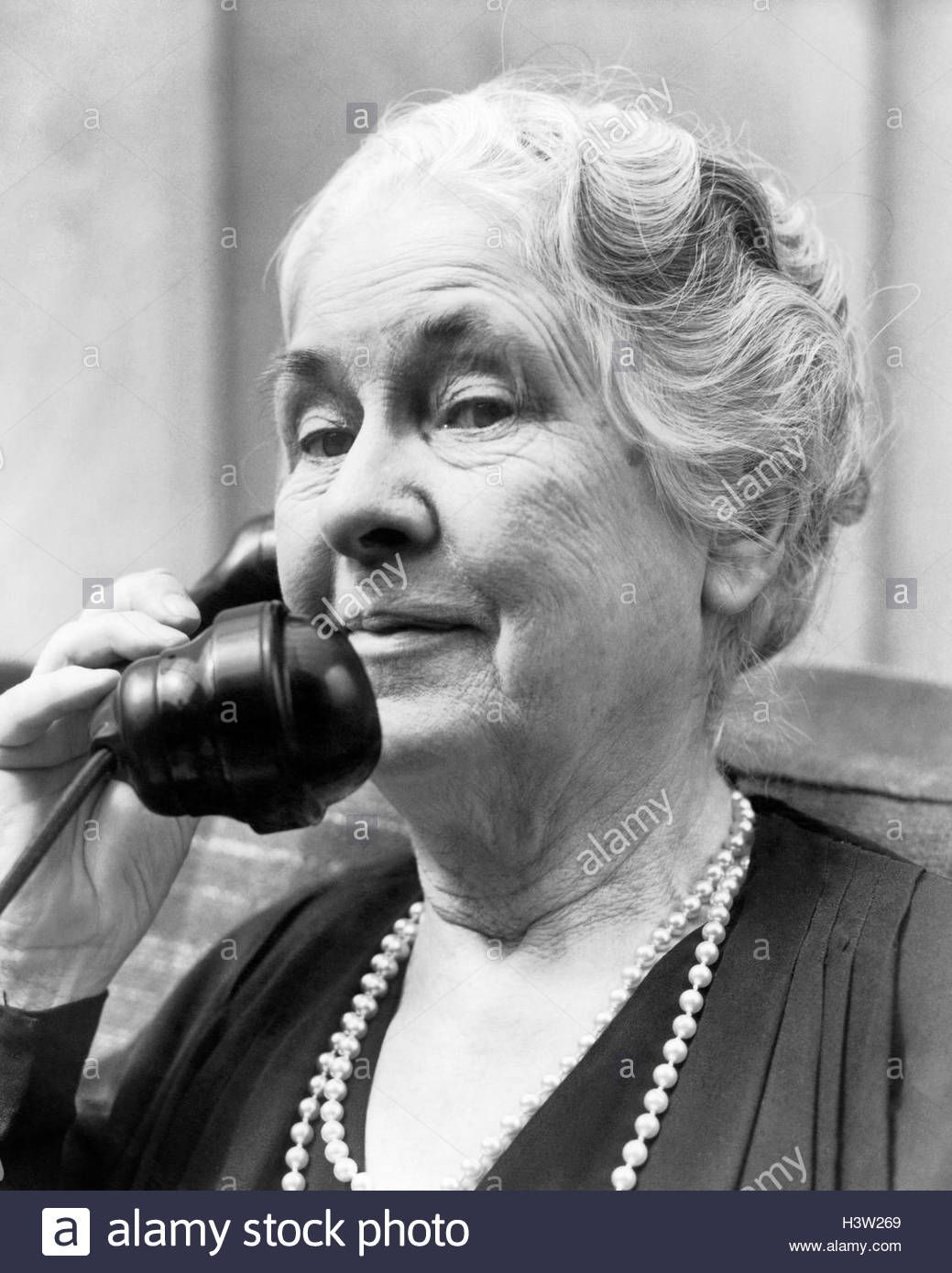 download this stock image: 1930s 1940s old woman on