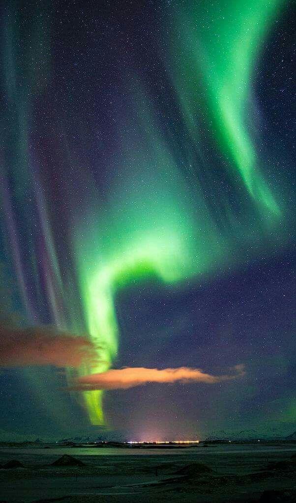 Eine schöne Momentaufnahme der Polarlichter über Island. Ein geo.de/leserfoto von petrowitsch.