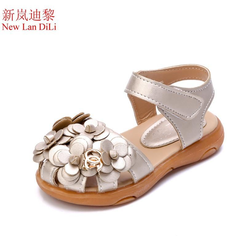 New fashion Baotou girls sandals 2018 summer hollow children s shoes  princess students flower sandals tide kids shoes. Yesterday s price  US   6.51 (5.80 ... 5fb2f1f9d726