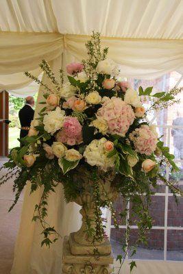 886607c7cd954385b640e6e80b127d2f Jpg Large Flower Arrangements Flower Arrangements Large Floral Arrangements