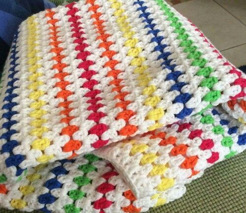 Diamond stitch http://happyinred.blogspot.nl/2013/11/diamond-stitch-blanket-crochet-pattern-tutorial.html?m=1