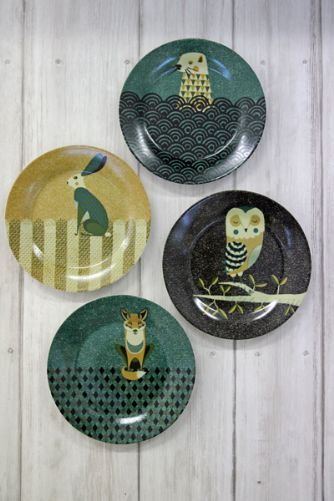 Set of 4 Beautiful Wildlife Porcelain Plates with Gift Box