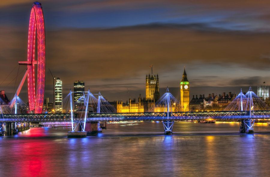 This is London by Andrew Thomas on 500px