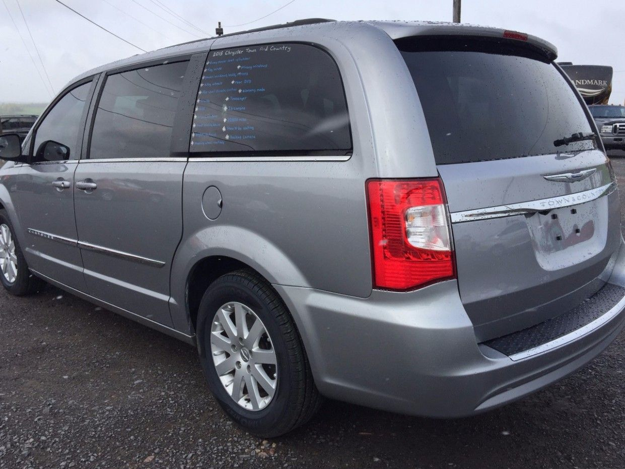 2021 Chrysler Town Country Interior