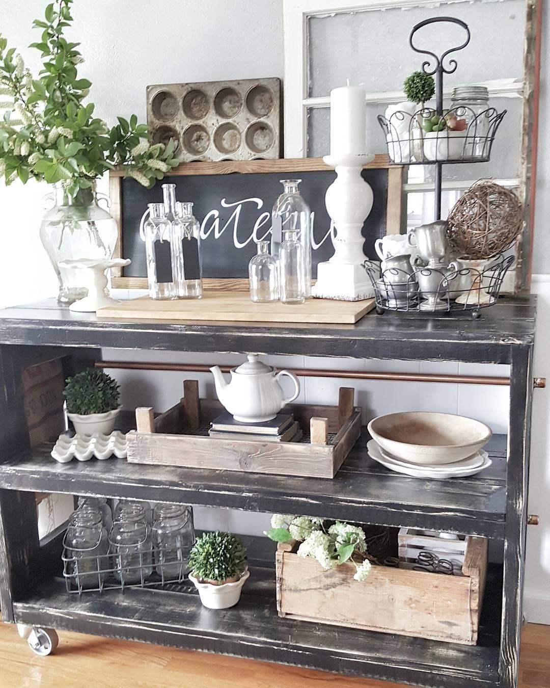 Farmhouse design, home decor, vintage farmhouse, bookcase