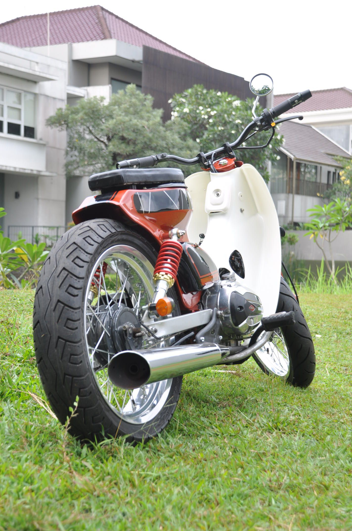 Matic street cub by newspeed garage motorcycle for Garage modification