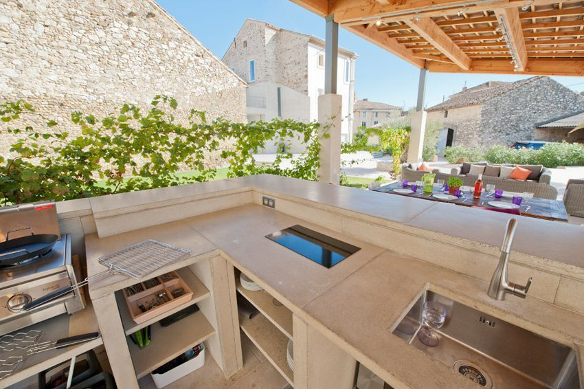 Polished stone summer kitchen, fully equipped for self-catering ...