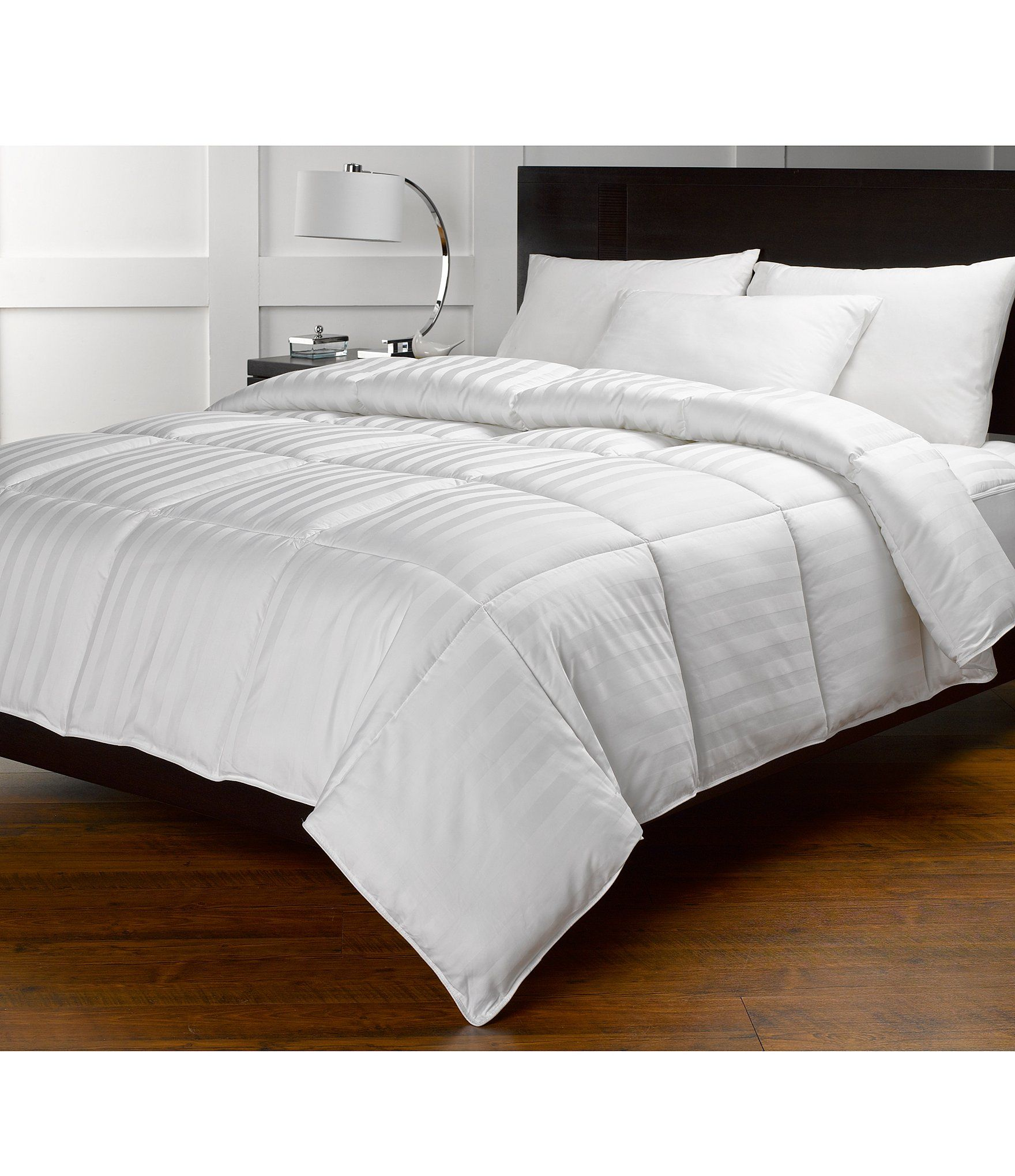 Noble Excellence Lightweight Warmth Down Alternative Comforter