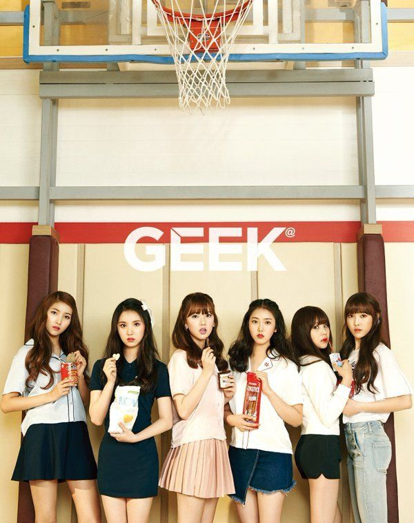 G-Friend next grace the pages of 'Geek' magazine!