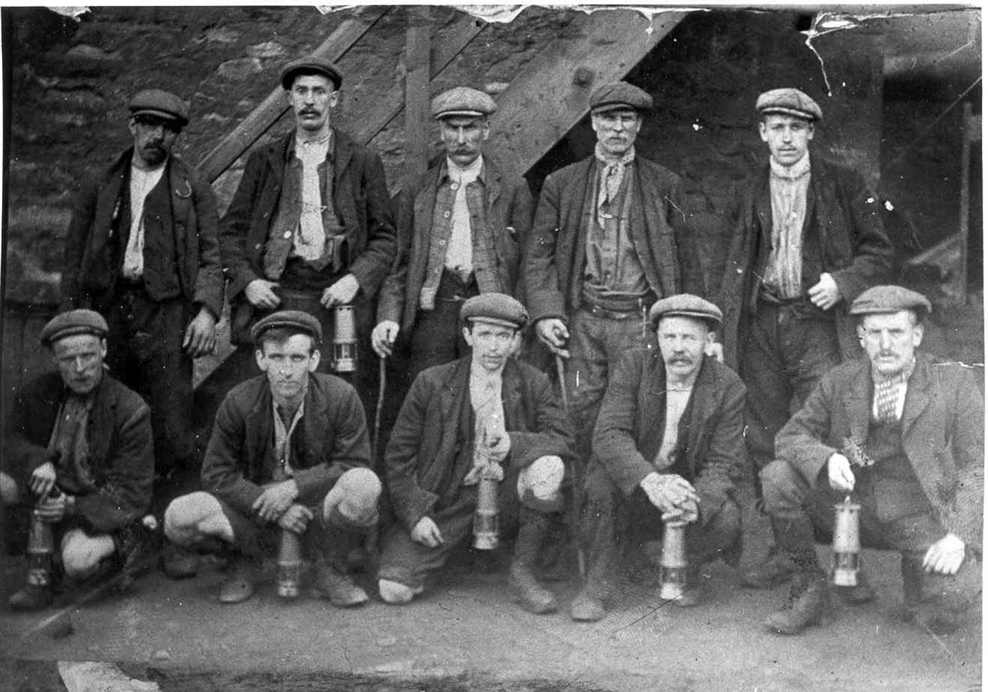 Real Vintage Clothing: Factories And Workers
