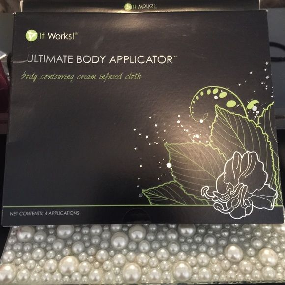 It works wraps It works wraps un-opened box with 4 applications. Ultimate body applicator. It works Other