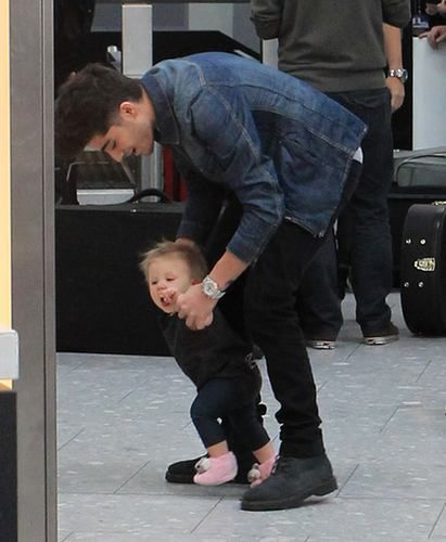 These Photos of One Direction With Babies Will Make Your Day - J-14
