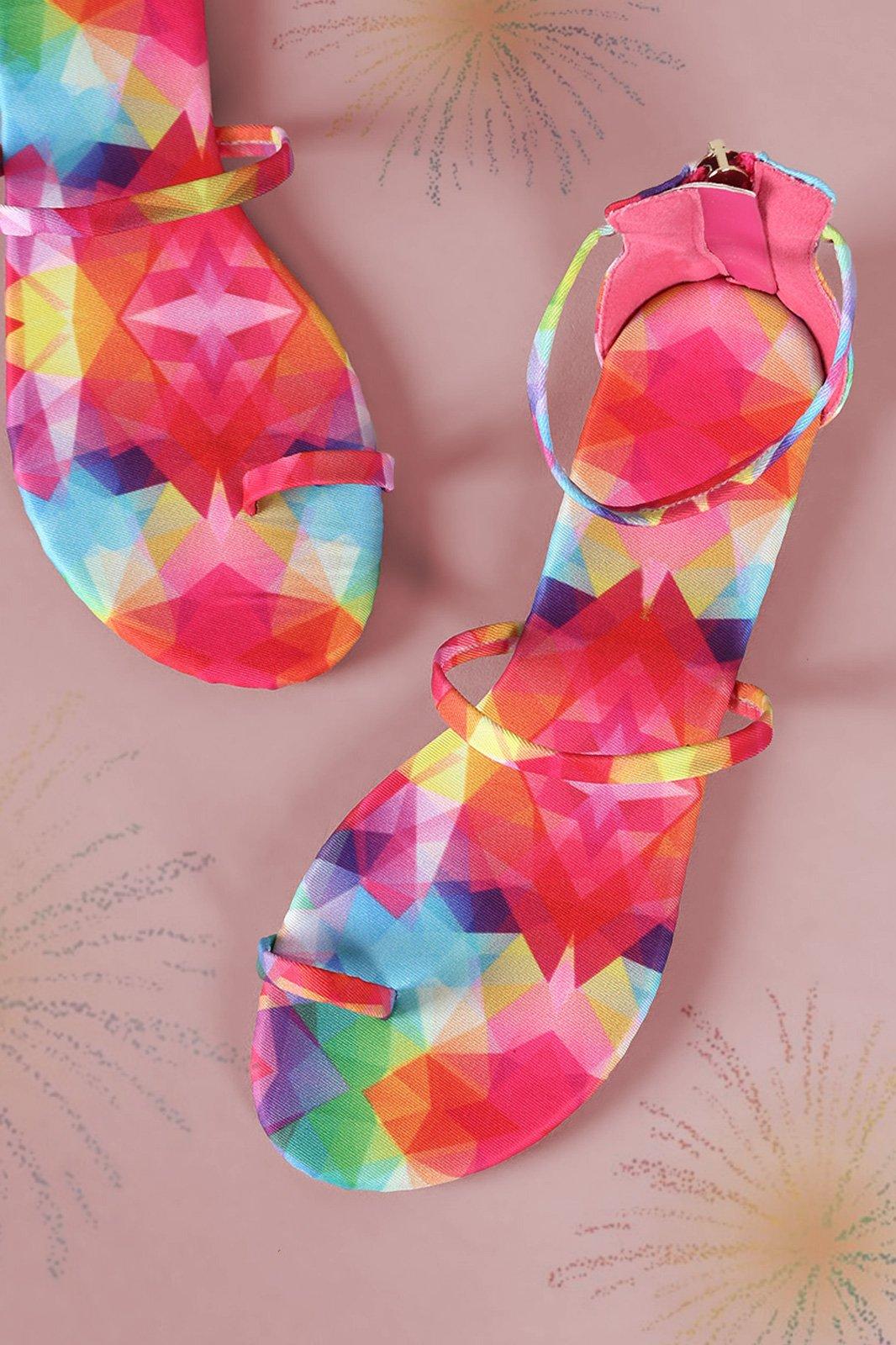 118d5cc96 USA FREE SHIPPING (CODE  FREE100 ) Liliana Kaleidoscope Print Toe Ring Flat  Sandal  35.08