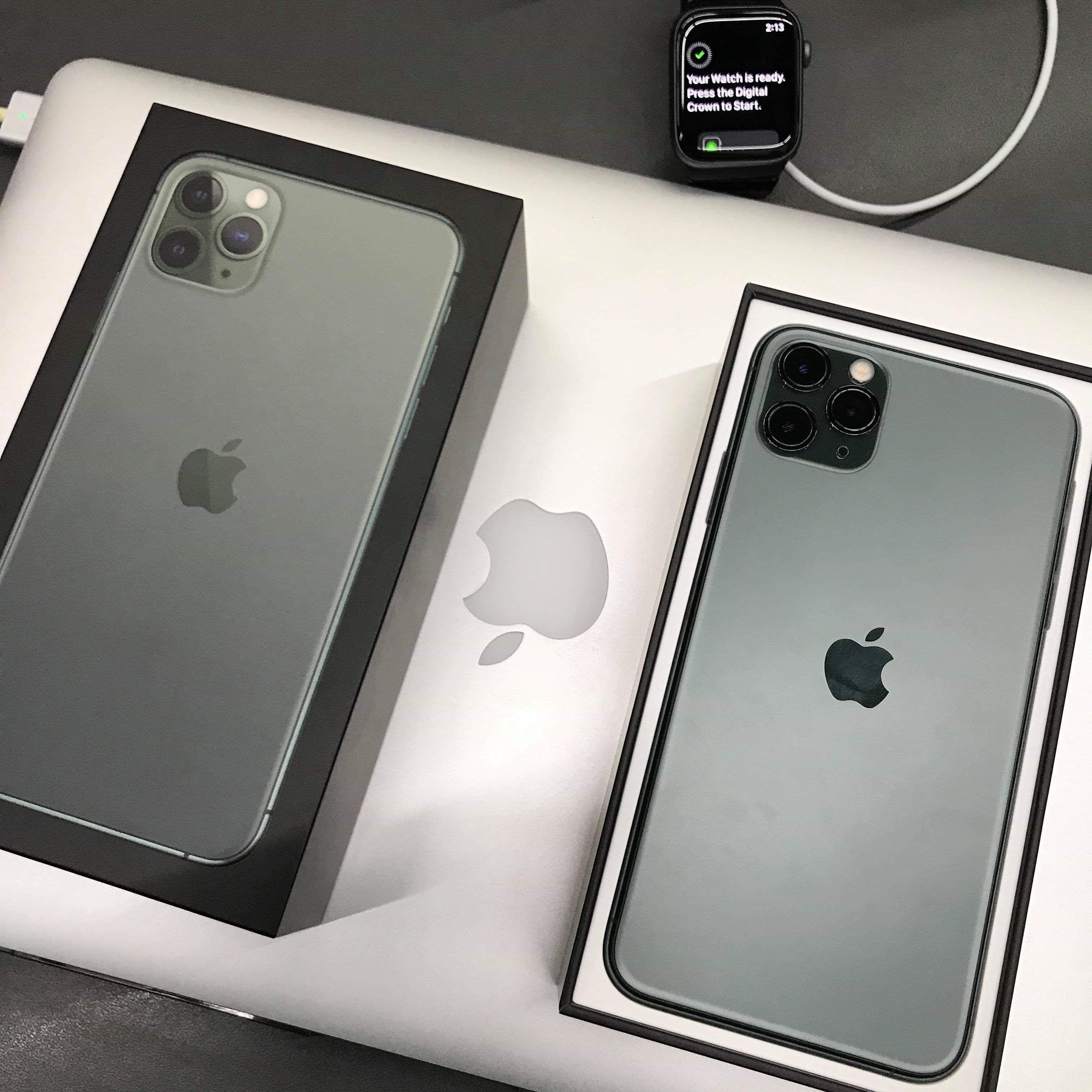 Is Iphone 11 Pro Midnight Green Nice