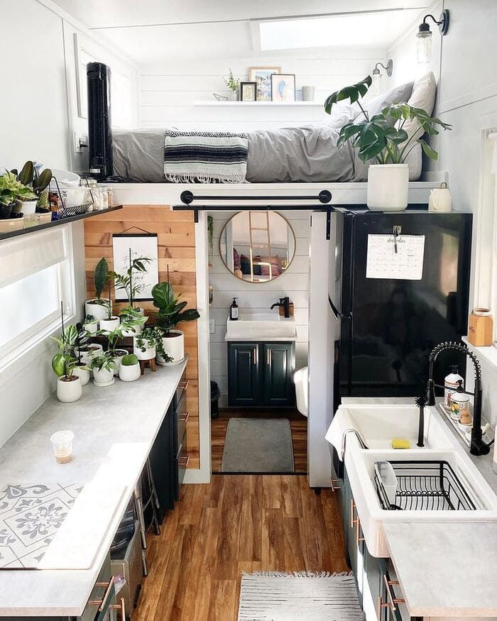 Young couple built gorgeous tiny house on a $25,000 budget - Living in a