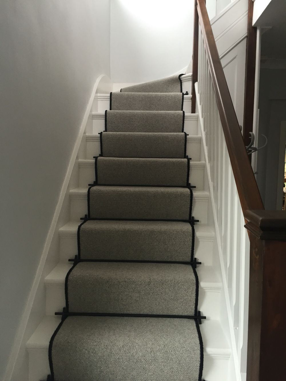 Best Lakeland Herdwick Carpet 3 Ply Wool Windermere Stair 640 x 480