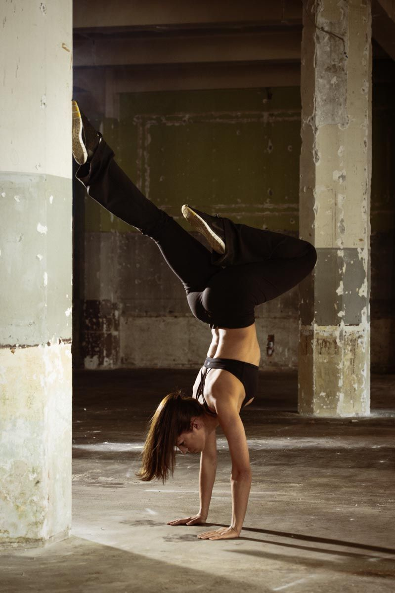 Inversion / handstand - Fitness photoshoot with James Ingram