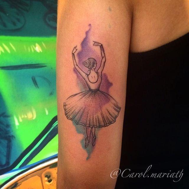 """Tatuagem feita por <a href=""""http://instagram.com/carol.mariath"""">@carol.mariath</a> ❤️ Anna Carolina Vianna Tattooartist.Rj. Atendimento com hora marcada.  BARRA:2438-9108- GÁVEA: 2529-6414 - JACAREPAGUÁ: 2436-2486 e-mail: carol.mariath94@gmail.com"""